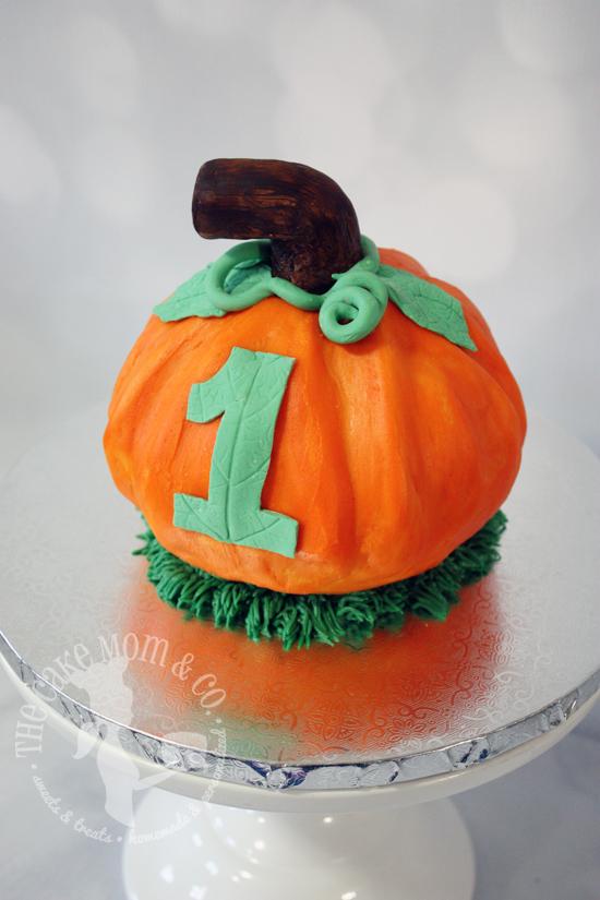 pumpkinsmashcake